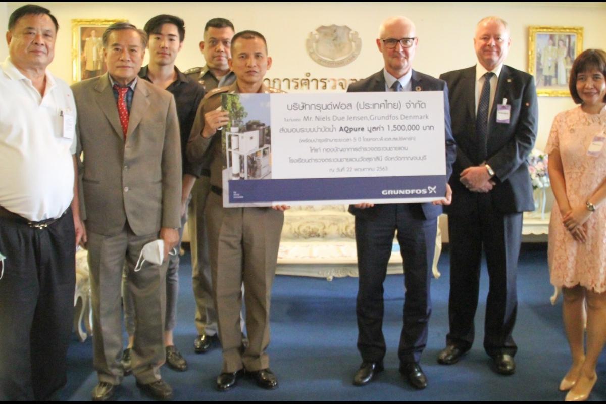 พล.ต.ท.วิชิต  ปักษา ผบช.ตชด. พร้อมคณะ รับมอบระบบบำบัดน้ำ AQpure มูลค่า 1,500,000 บาท  จาก บริษัท กรุนด์ฟอส (ประเทศไทย) จำกัด  เพื่อมอบให้ รร.ตชด.วัดสุธาสินี จว.กาญจนบุรี